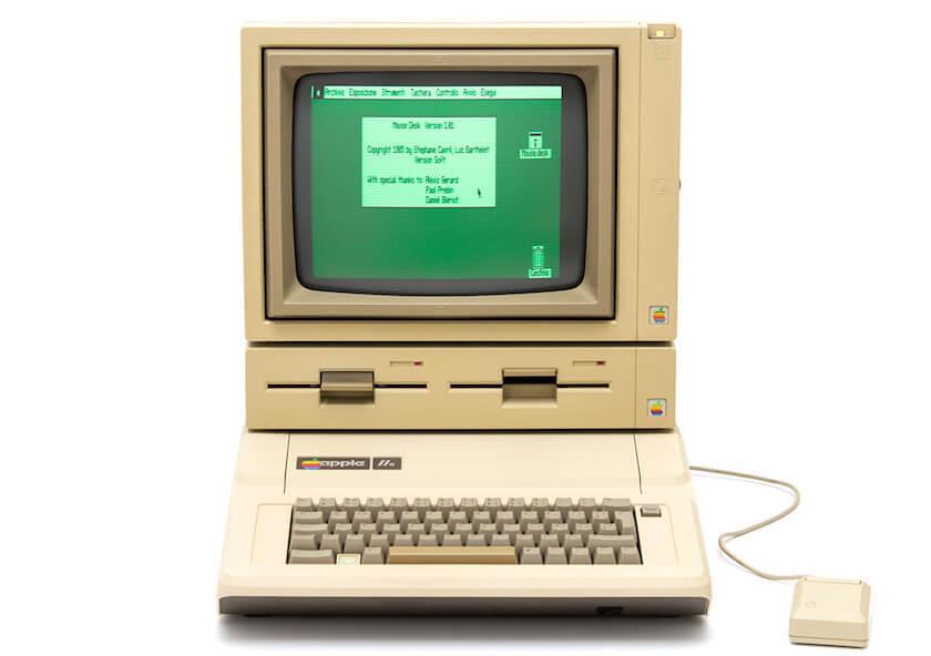 拥有双磁盘位的 Apple IIe
