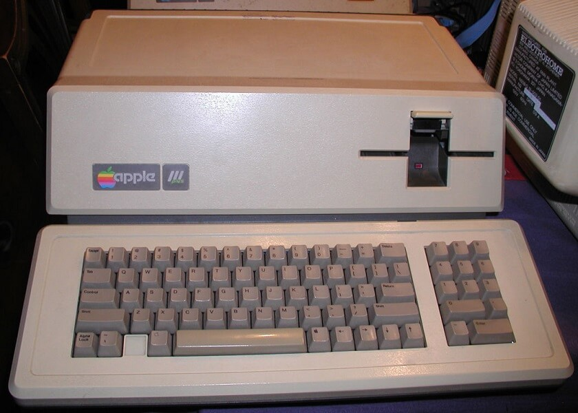 Apple III Plus 的主机