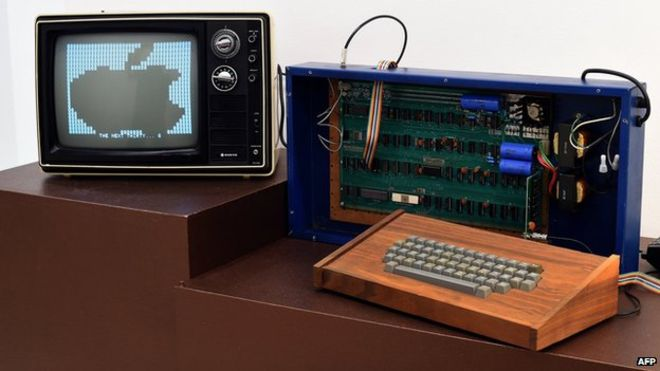 Apple I 连接显示器运行照